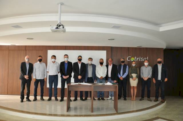 Cotrisal oficializou contrato de locação das unidades da Cotrimaio