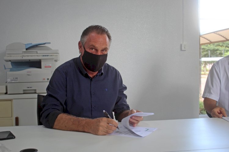 Convênio garante descontos para agricultores em serviços dos laboratórios de Solos e Sementes da Setrem