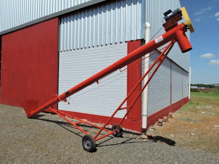 O Transportador de Grãos da TORFER é ideal para agilizar a carga e descarga