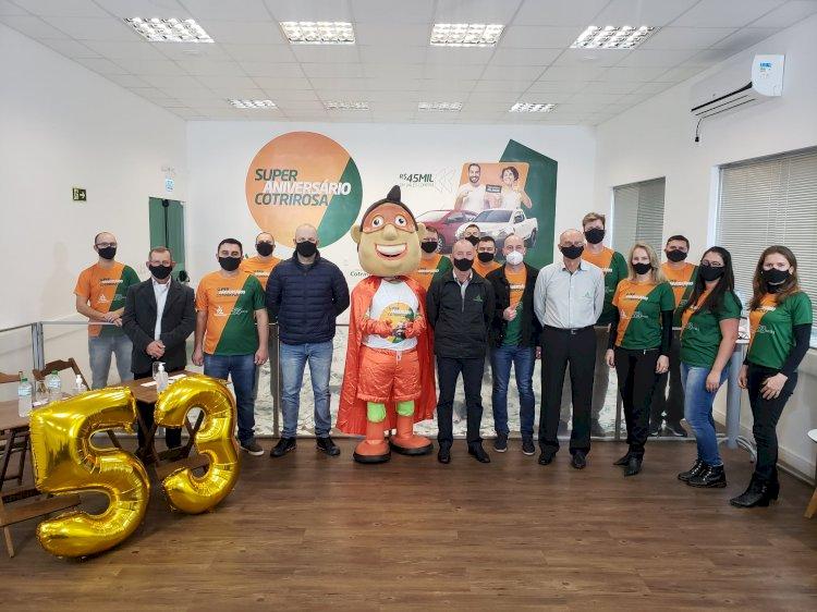 Ganhadores da promoção Super Aniversário Cotrirosa